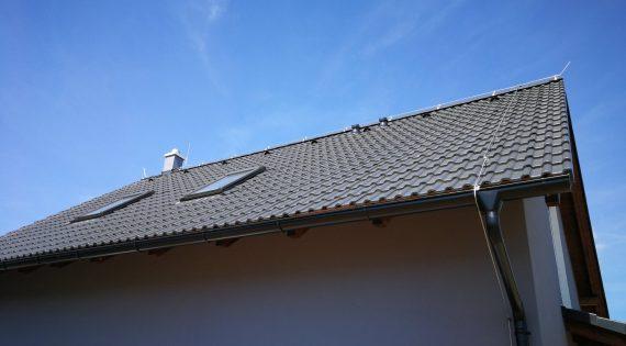Kompletní realizace elektro instalace s el. podlahovým topením dřevostavby ve Světnově včetně hromosvodu.